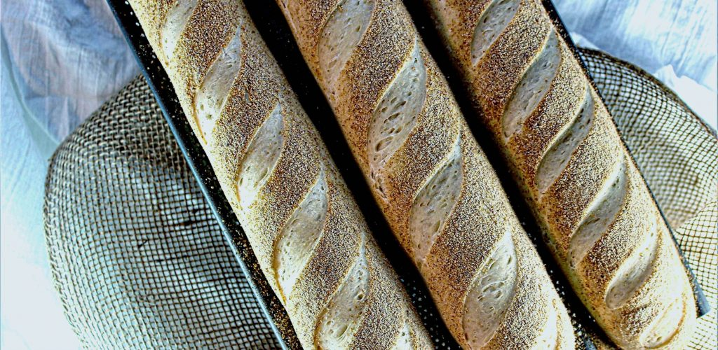 French-baguettes-with-poolish