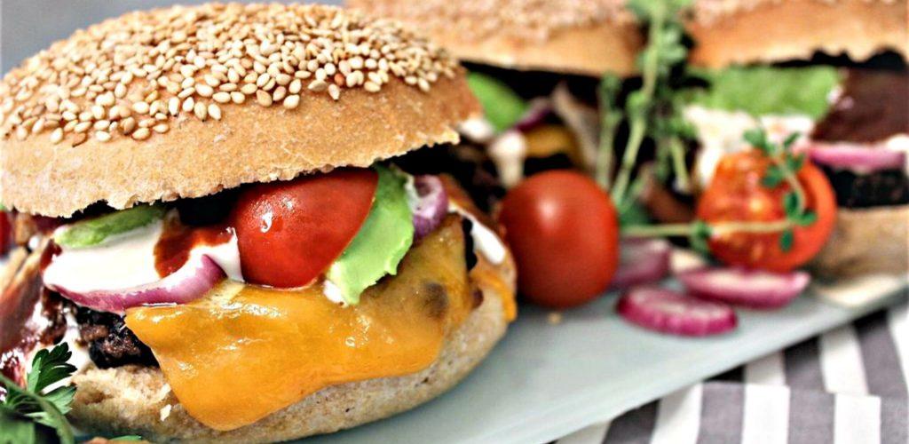 quinoa-blackbean-burger