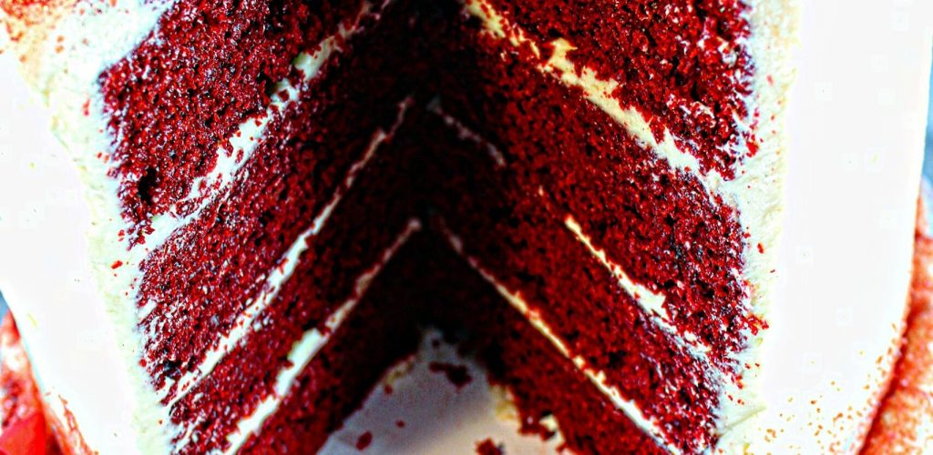 red-velvet-with-slice-missing1_pe